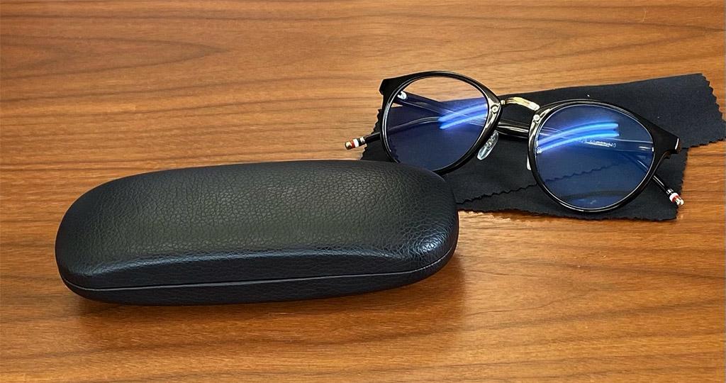 メガネとハードケース